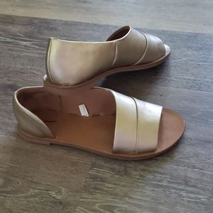 Universal Thread Matte Gold Shoes 6.5